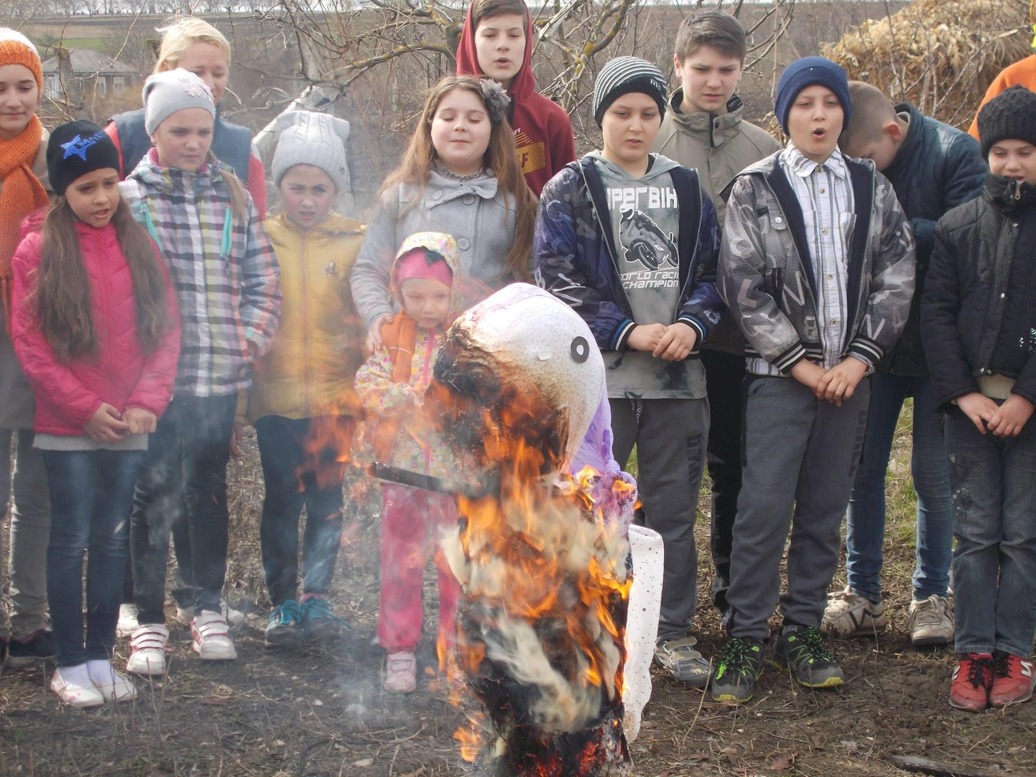 Topienie Marzanny W Styrczy Polonia Moldawska