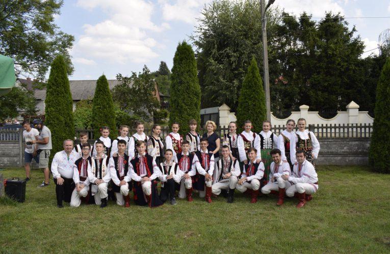 """Zespół """"Krokus"""" na festiwalu dziecięcych zespołów folklorystycznych"""