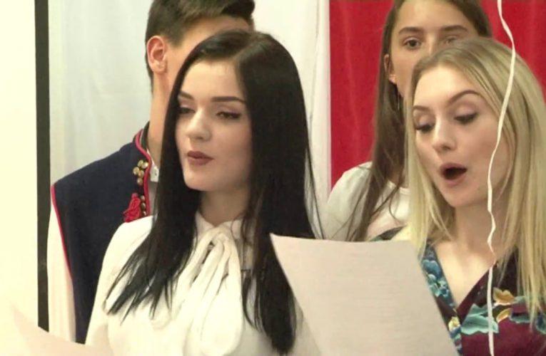 Dobry rok szkolny zaczyna się od śpiewów i tańców