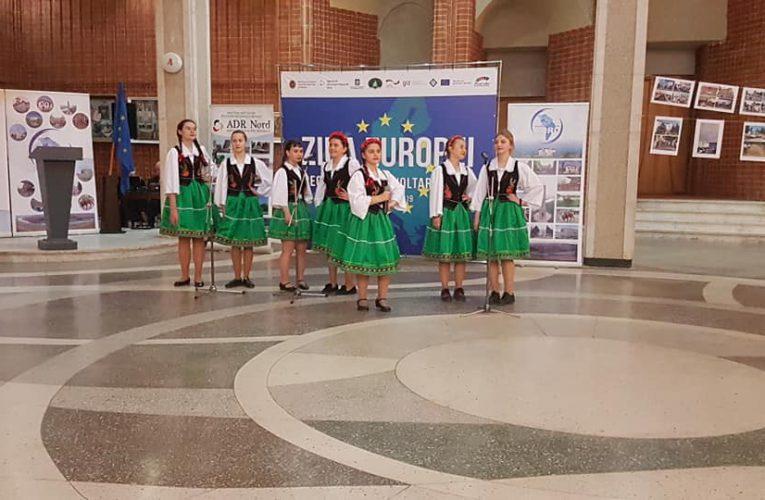 """""""Jaskółki"""" oraz """"Krokus""""  w Liceum im. M.Eminescu"""